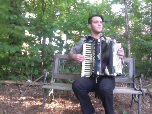 Le Petit Soldat (Accordion Video)