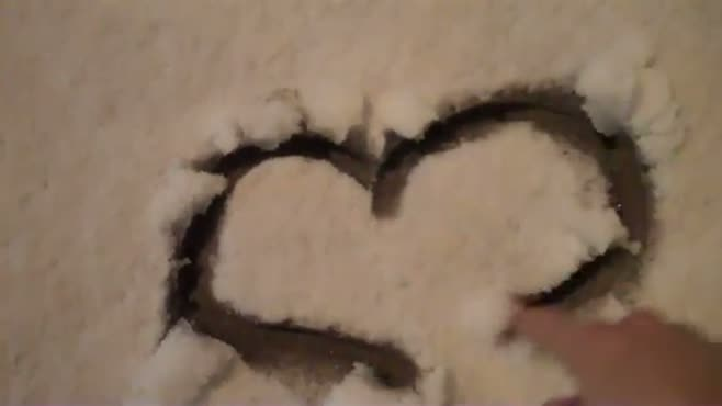 Snowy Hitting Heart